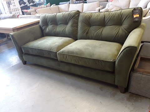 Lot 358 QUALITY BRITISH DESIGNER MELODY FOUR SEATER SOFA UPHOLSTERED IN VELVET TOUCH WOODLAND MOSS FABRIC RRP £1449