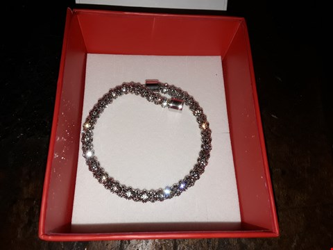 Lot 13140 BOXED GUESS GLAMAZON CRYSTAL BRACELET.  RRP £125.00