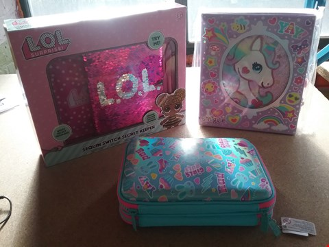 Lot 9047 A LOL SEQUIN SWITCH SECRET KEEPER, A SMIGGLE MY BOOK OF SECRETS AND A SMIGGLE COLOURING IN KIT