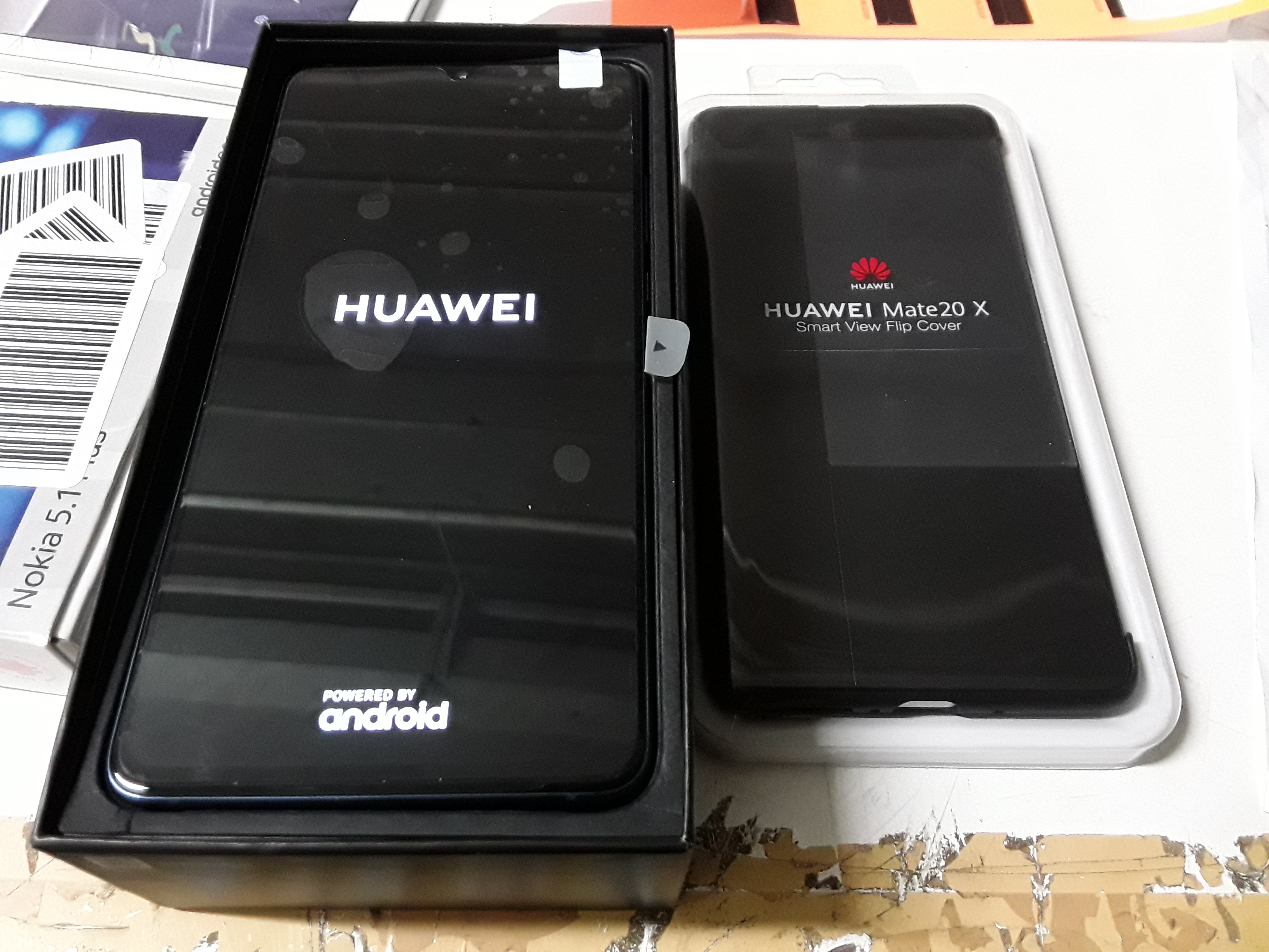 Lot 96: HUAWEI MATE 20X MOBILE PHONE WITH SMART