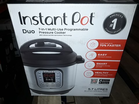 Lot 1944 INSTANT POT 7 IN 1 PRESSURE COOKER