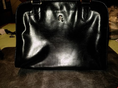 Lot 997 ASHWOOD LEATHER DOUBLE COMPARTMENT TOTE BAG - BLACK