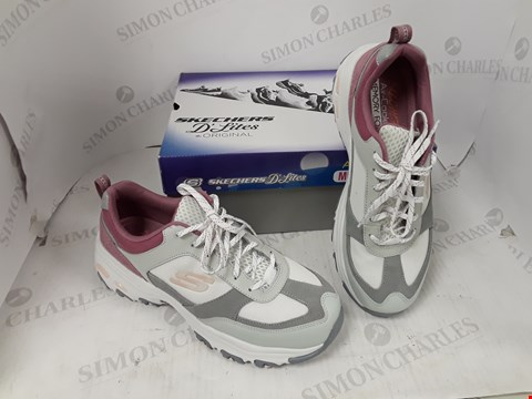 Lot 992 BOXED PAIR OF SKETCHERS D'LITES TRAINERS SIZE 7