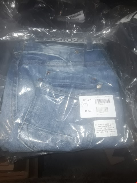 Lot 2064 LOT OF APPROXIMATELY 10 BRAND NEW ASSORTED JEANS TO INCLUDE BENCH LOOSE FIT DARK JEANS, CROSSHATCH NEW BALTIMORE JEANS AND HENLEY DARK JEANS - VARIOUS SIZES  RRP £190