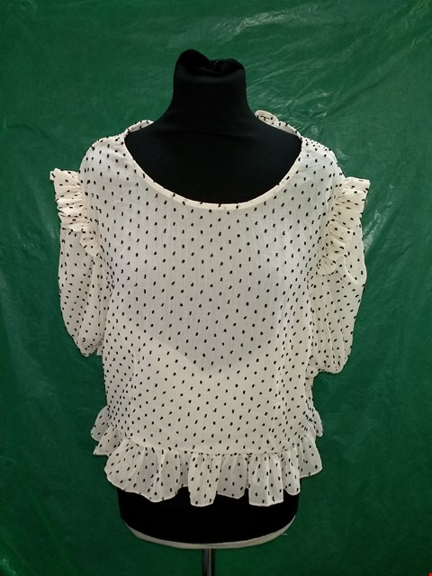 Lot 4130 I SAW IT FIRST NUDE/BLACK DOTTED FRILL TOP - SIZE 16