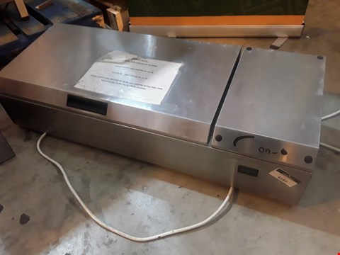 Lot 3031 WILLIAMS REFRIGERATED COUNTER TOP SALAD PREP UNIT