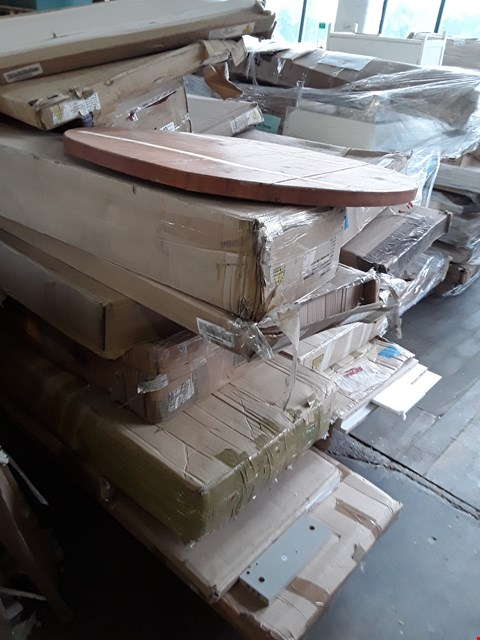 Lot 44 PALLET OF ASSORTED FLAT PACK FURNITURE ITEMS TO INCLUDE WARDROBE PARTS, BED PARTS ETC