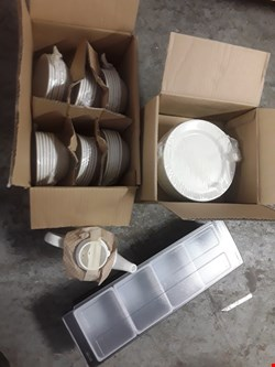 Lot 295 PALLET OF APPROXIMATELY 30 BOXED OF ASSORTED CATERING ITEMS TO INCLUDE TEA POTS, PLATES, STORAGE CONTAINERS ECT