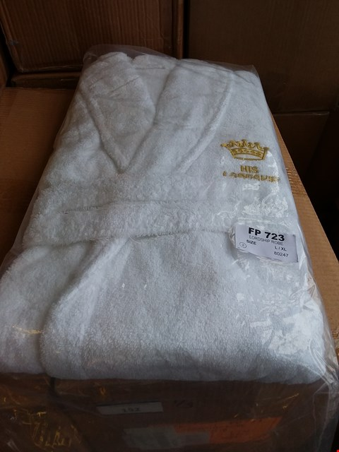 Lot 152 LOT OF APPROXIMATELY 18 LORDSHIP ROBES - WHITE SIZE L/XL (3 BOXES)
