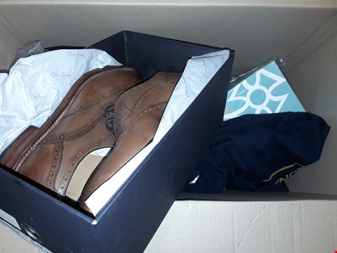 Lot 151 LOT OF 10 ASSORTED ITEMS TO INCLUDE SHOES, SWEATSHIRTS ETC