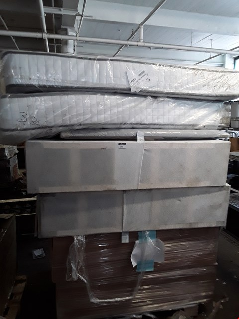 Lot 692 PALLET OF ASSORTED ITEMS TO INCLUDE: HEADBOARD, MATTRESS, DIVAN BASE SECTION ETC