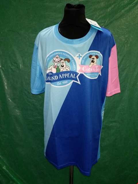 Lot 4127 BLUESTEP BLUE/PINK WALLACE AND GROMIT CHARITY T-SHIRT - SIZE MEDIUM
