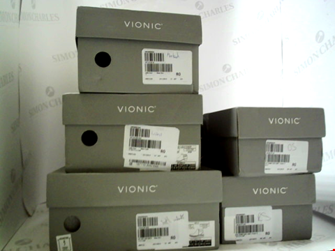 Lot 3046 LOT OF APPROXIMATELY 5 ASSORTED PAIRS OF FOOTWEAR TO INCLUDE; VIONIC BOOTS AND LOAFERS IN VARIOUS SIZES