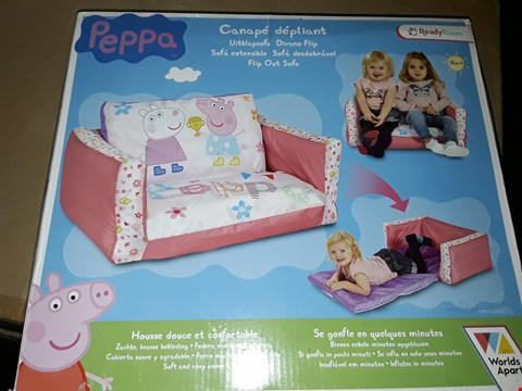 Lot 10769 LOT OF 2 ITEMS TO INCLUDE FROZEN PREMIUM DELUXE TRI-SCOOTER AND PEPPA PIG FLIP OUT MINI SOFA
