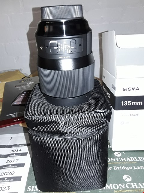 Lot 12203 SIGMA 135MM LENSES F1.8 DG FILTER SIZE