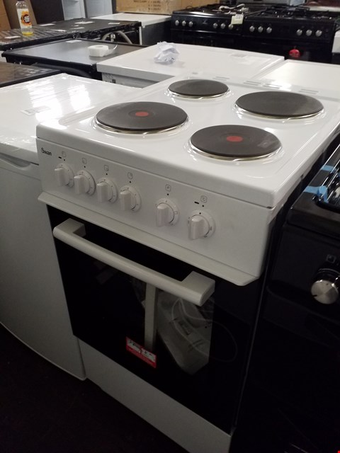 Lot 8540 SWAN SX1011W WHITE 50CM ELECTRIC COOKER RRP £409.00