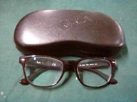 Lot 1055 GLASSES IN THE STYLE OF RAYBAN WITH BLACK CASE