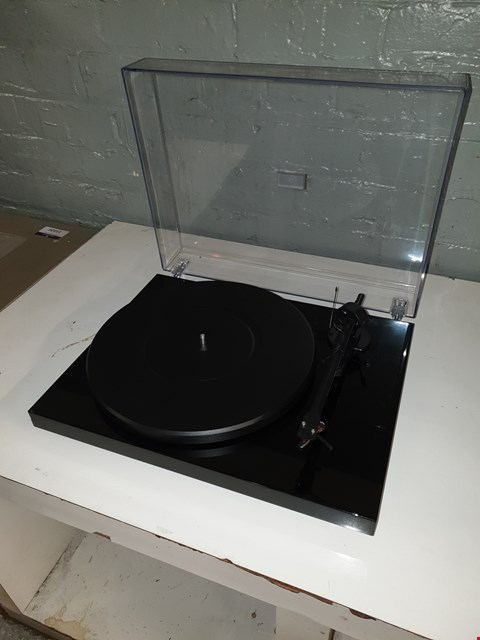 Lot 8018 BOXED PROJECT DEBUT TURN TABLE  RRP £129.95