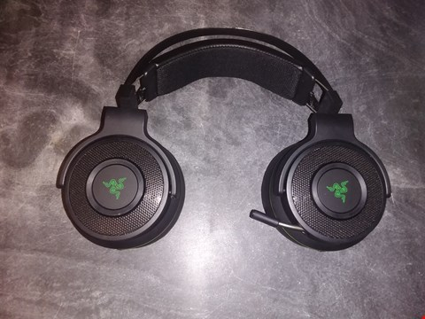 Lot 5161 RAZER THRESHER FOR XBOX ONE: WINDOWS SONIC SURROUND - LAG-FREE WIRELESS CONNECTION - RETRACTABLE DIGITAL MICROPHONE - GAMING HEADSET WORKS WITH PC & XBOX ONE