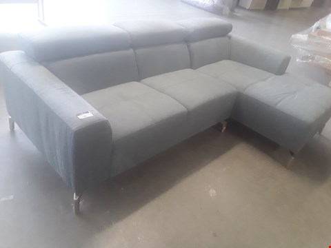 Lot 66 DESIGNER AMELIA LIGHT BLUE FABRIC CHAISE SOFA WITH ADJUSTABLE HEADRESTS & CHROME FEET RRP £679.99