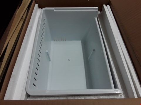 Lot 17466 2 BOXES OF WHITE FREEZER DRAWERS