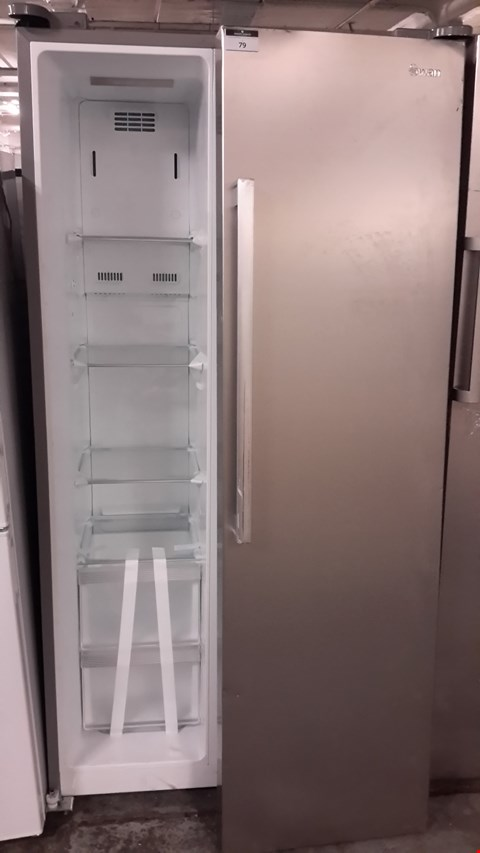 Lot 79 SWAN SILVER SR70120S SIDE BY SIDE AMERICAN STYLE FRIDGE FREEZER  RRP £649