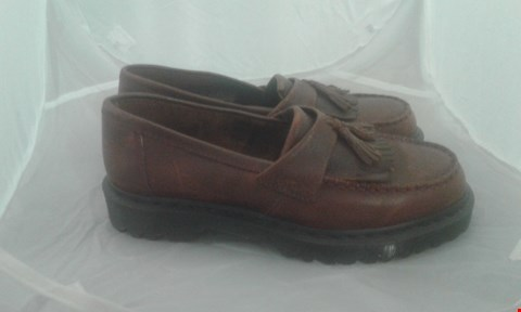 Lot 2016 PAIR OF DR MARTINS TASSEL LOAFERS SIZE 7