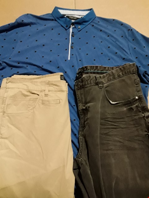 Lot 9365 4 BOXES OF APPROXIMATELY 80 ASSORTED CLOTHING ITEMS TO INCLUDE PRINTED POLO SHIRT, TWISTED LEG TROUSERS, RIPPED SKINNY JEANS