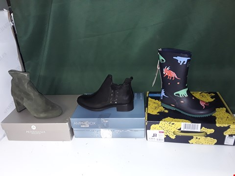 Lot 1303 LOT OF APPROXIMATELY 14 ASSORTED PAIRS OF SHOES TO INCLUDE PETER KAISER, GEOX AMPHIBIOUS, JOULES WELLIES