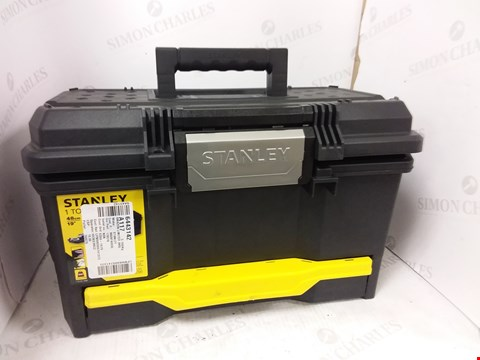 Lot 5423 STANLEY 1 TOUCH 19 TOOL BOX
