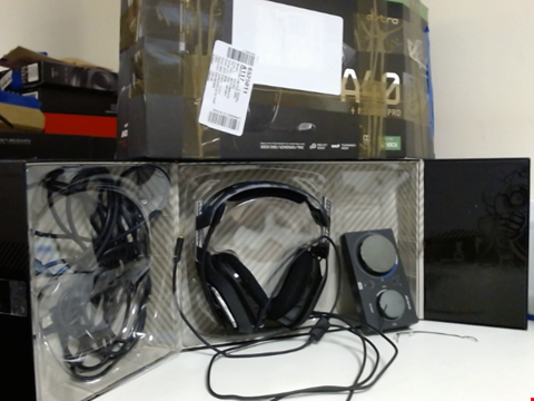 Lot 15410 ASTRO GAMING A40 TR WIRED GAMING HEADSET + MIXAMP PRO GEN 4 FOR PS4 & PC