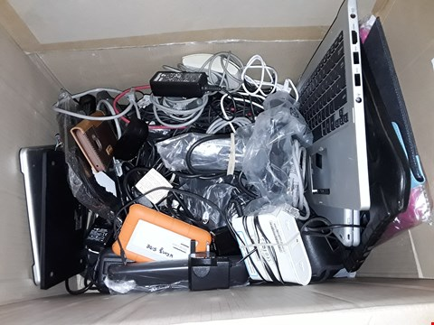 Lot 30 LARGE QUANTITY OF ASSORTED TECH ITEMS TO INCLUDE VARIOUS CHARGERS, RABLET CASES, WIRELESS EARPHONES AND EXTENSION LEADS