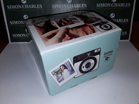 Lot 47 BOXED INSTAX SQUARE SQ6 INSTANT CAMERA - WHITE