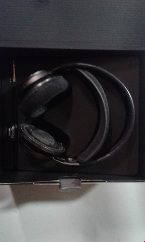 Lot 193 PHILIPS FIDELIO OVER EAR INDOOR HEADPHONES