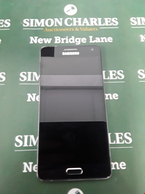Lot 105 SAMSUNG A5 MOBILE PHONE