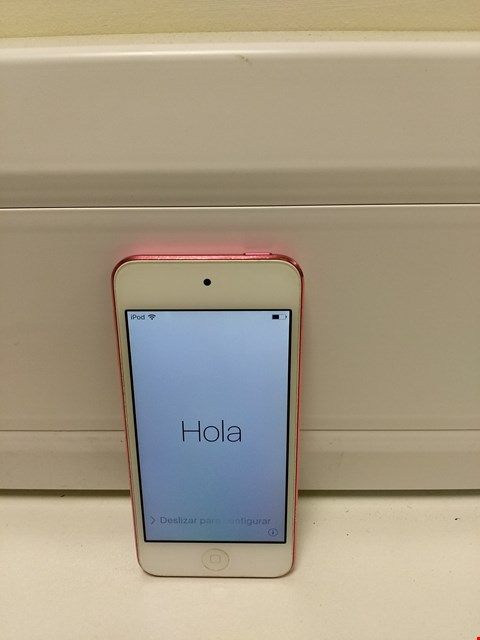 Lot 326 UNBOXED APPLE IPOD TOUCH 5 32GB, PINK