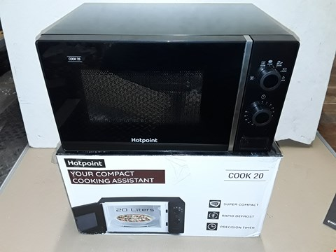 Lot 8039  BOXED HOTPOINT COOK 20 20L MICROWAVE IN BLACK