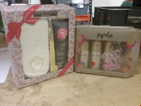 Lot 7052 LOT OF 2 ITEMS TO INCLUDE BAYLIS & HARDING ROYALE GARDEN FOOT LOTION SET AND IMPULSE INSPIRE DEODORANT SET