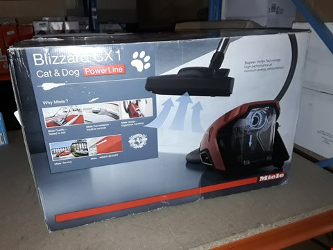 Lot 2387 MIELE BLIZZARD CX1 POWER LINE CAT AND DOG VACUUM CLEANER