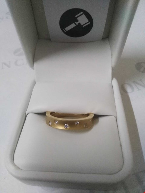 Lot 6 18CT YELLOW GOLD DESIGNER WEDDING RING INSET WITH DIAMONDS RRP £1650.00