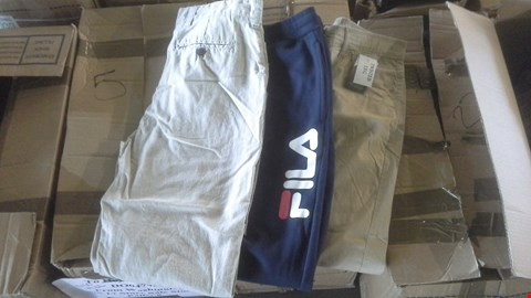 Lot 7005 BOX OF APPROX 23 ASSORTED MENS CLOTHES TO INCLUDE JOGGERS AND CHINOS