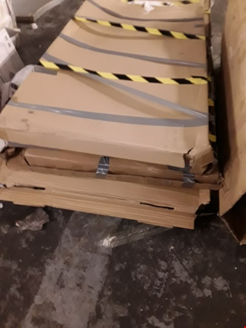 Lot 7160 PALLET OF ASSORTED SHOWER UNIT PARTS