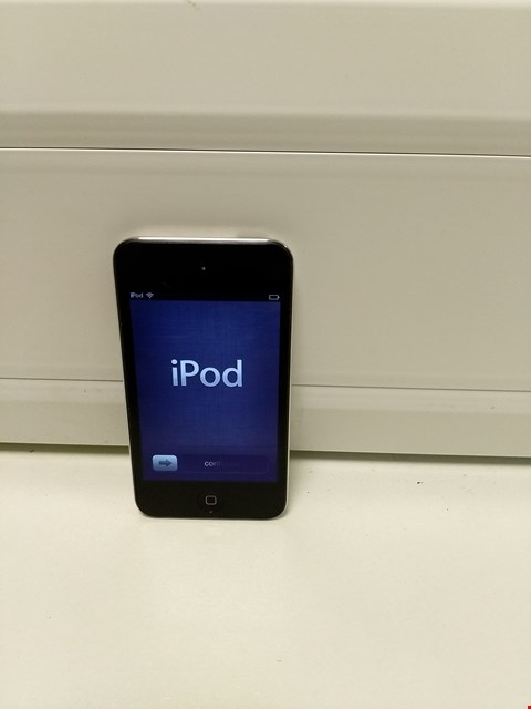 Lot 325 UNBOXED APPLE IPOD TOUCH 4 8GB, BLACK