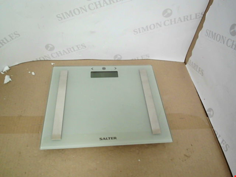 Lot 10509 BOXED SALTER COMPACT GLASS ANALYSER SCALE - GREY RRP £19.99