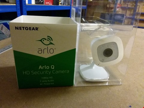 Lot 978 NETGEAR ARLO 1080P HD SECURITY CAMERA 2-WAY AUDIO AS POWERED