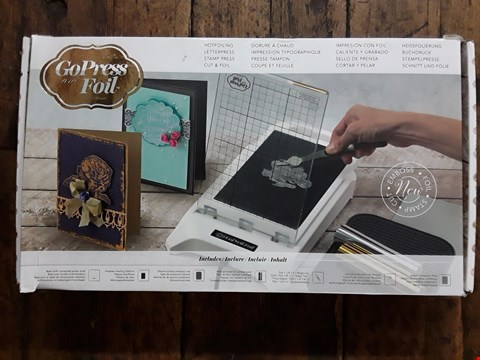 Lot 2761 BOXED COUTURE CREATIONS GO PRESS AND FOIL MACHINE