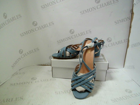 Lot 3012 PAIR OF DESIGNER JOIA WOMENS BLUE HEELS - UK SIZE 7
