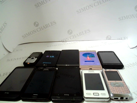 Lot 660 LOT OF APPROXIMATLEY 10 ASSORTED MOBILE PHONES AND SMARTPHONES ETC