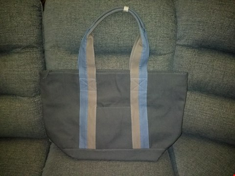 Lot 9143 BOX OF APPROXIMATELY 25 JAZZI LONDON CANVAS TOTE BAGS IN GREY