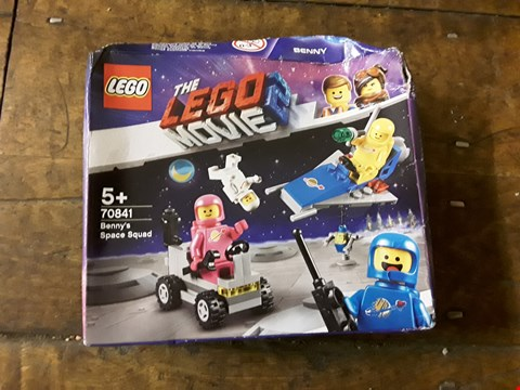 Lot 2367 LOT OF 2 GRADE 1 ITEMS TO INCLUDE THE LEGO MOVIE 2 70841 BENNY'S SPACE SQUAD AND A SET OF TERRAZZO PLANTERS RRP £20